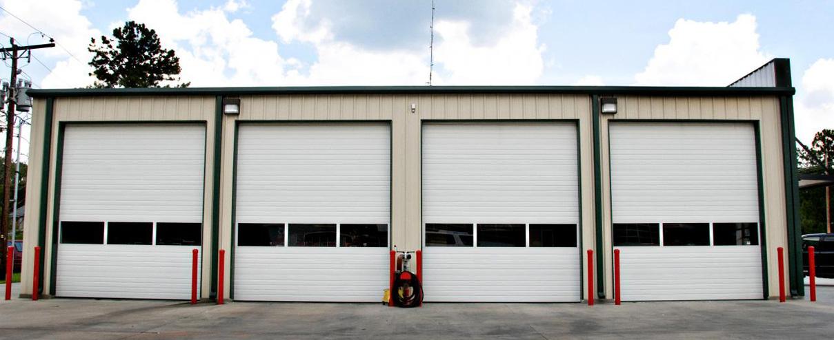 Attirant Professional Repair Service. When A Garage Door ...